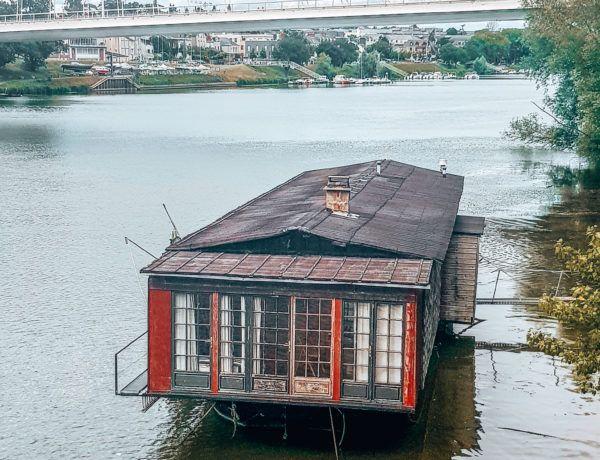 außergewöhnliche Unterkunft in Frankreich: wohnen auf dem Hausboot
