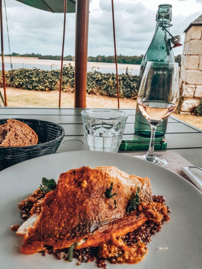 Essen im Restaurant Route du Sel