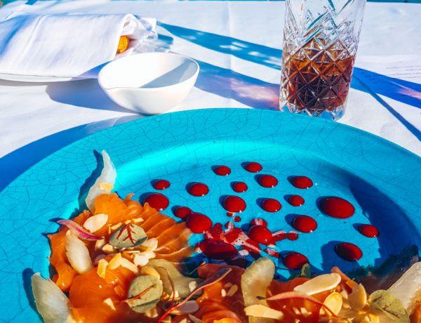die besten Restaurants in Apulien - Lachscarpaccio in Monopoli mit Meerblick